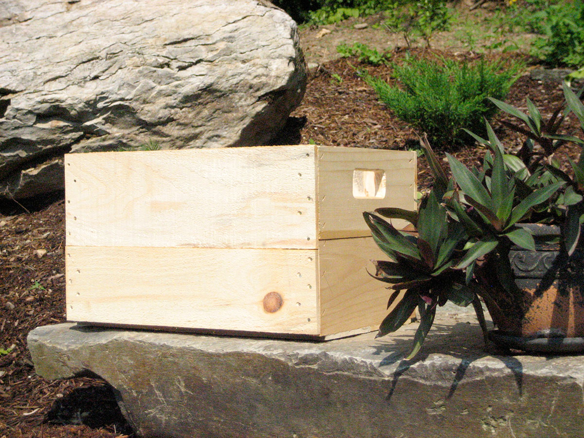 Hand Hole/Slat Handle Box--Full Bushel Size